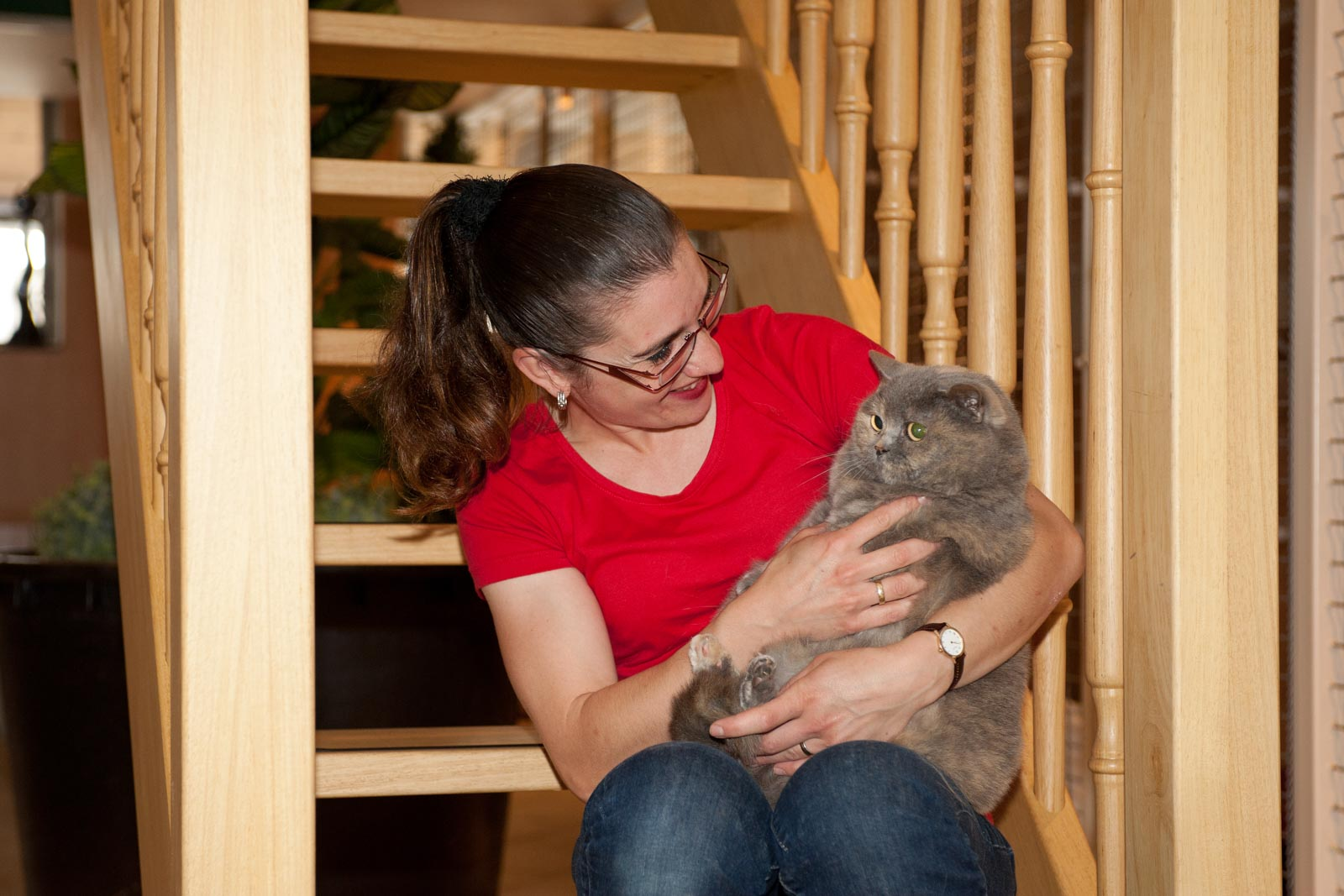 Portret van Esther van Nijnatten met kat