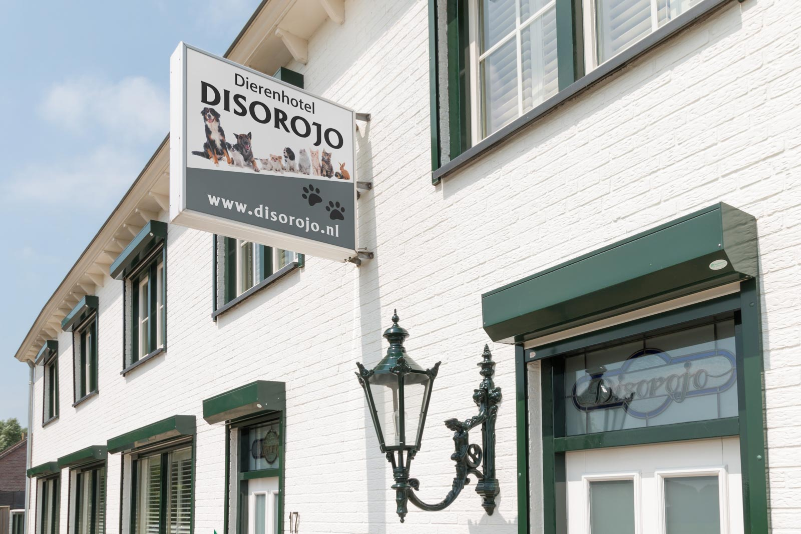 Exterior Dierenhotel Disorojo